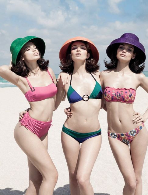 mujeres en bikini